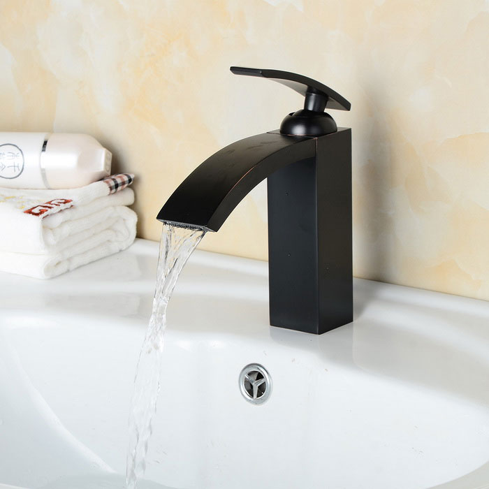 Oil-rubbed Brass Bathroom Sink Faucet w/1-Hole/Single Handle - Black