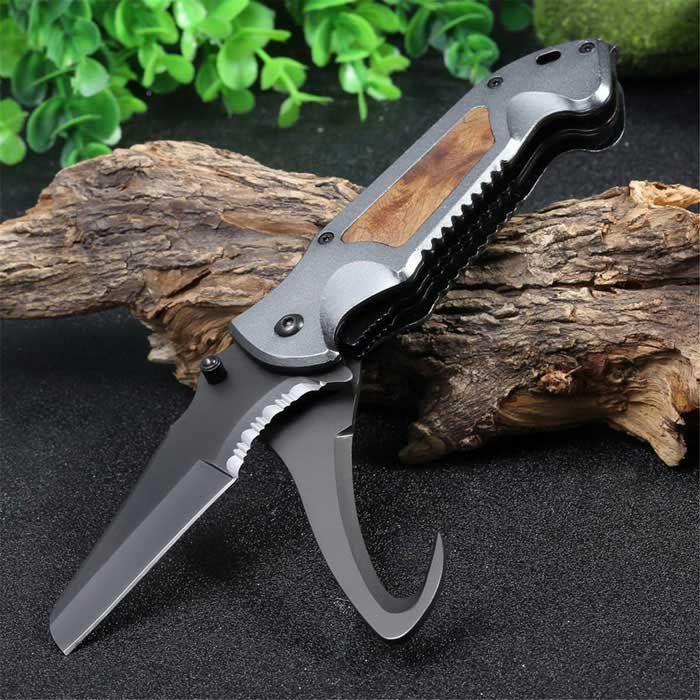 Multifunctional Liner Lock Foldable Knife with Rope Cutter - GreyMulti Tool<br>Form  ColorGreyModelSY3244Quantity1 DX.PCM.Model.AttributeModel.UnitMaterialBlade: 440C stainless steel  Knife Handle:Space aluminumBest UseFamily &amp; car camping,Mountaineering,TravelBlade Length8.5 DX.PCM.Model.AttributeModel.UnitHandle Length11.5 DX.PCM.Model.AttributeModel.UnitLength20 DX.PCM.Model.AttributeModel.UnitTypeKnivesOther FeaturesBlade Width:3cm; Fold Length:12cmPacking List1 * SY3244 Multifunctional Foldable Knife<br>