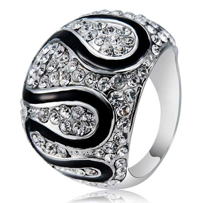 Xinguang Women's Simple Twist Full Diamond Crystal Ring (US Size 7)