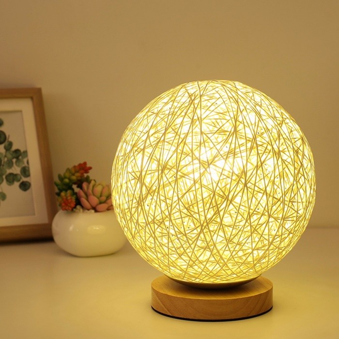 LED Luna Night Light Moon Lamp Desk USB Charging Home Decor Creative Gift Desktop Table Lamp Light Yellow/Blue
