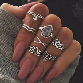 Europe And The United States Retro Hollow Flower Gem Geometry 7 Piece Set Ring Jewelry Gem Crystal Ring Set Silver