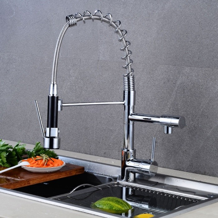 Contemporary Brass Chrome Pull-out/­Pull-down 360 Degree Rotatable One-Hole Kitchen Faucet with Ceramic Valve, Single Handle