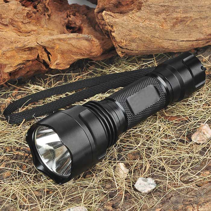 UniqueFire C2 XM-LT6 3-Mode 750-Lumen White LED Flashlight with Strap (1 x 18650)