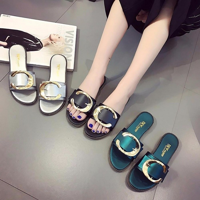Fashion-C-Shaped-Decorated-Womens-Slippers-Shining-All-Match-Summer-Flat-Sandals-For-Women-Black35